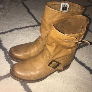 Frye short boots never worn!